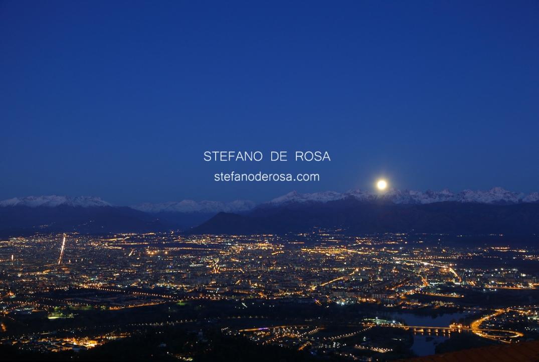Tramonto di Luna su Torino