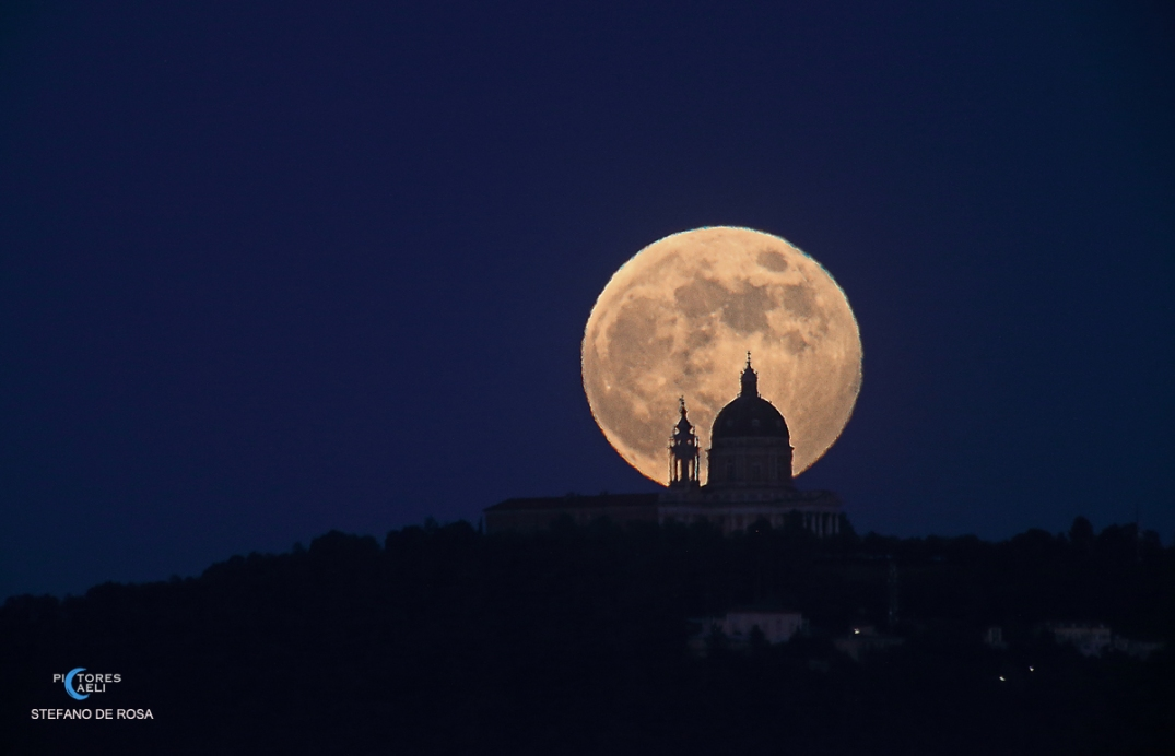 Strawberry Moon penumbral eclipse