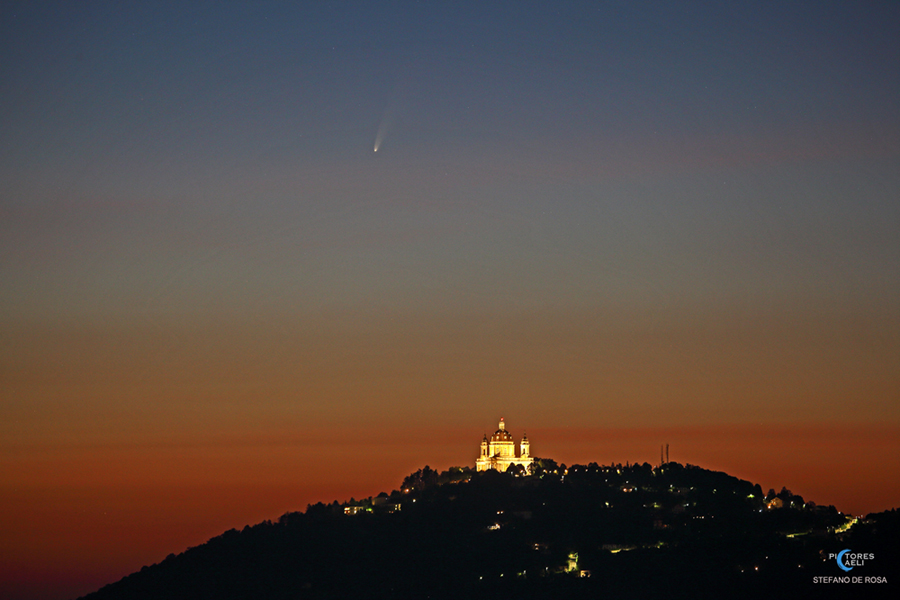 Comet NEOWISE and the Basilica of Superga